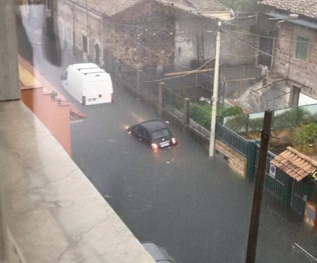 Alluvione Sicilia: situazione critica tra Catania ed Acireale, caduti fino a 280 millimetri di pioggia