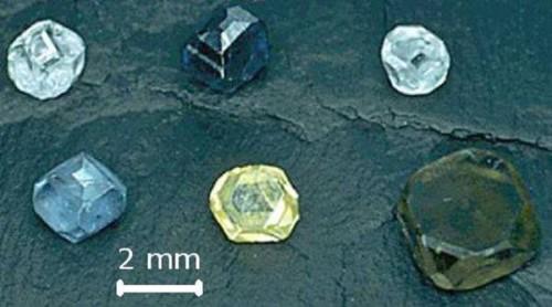 Tumori, come combatterli con i diamanti sintetici