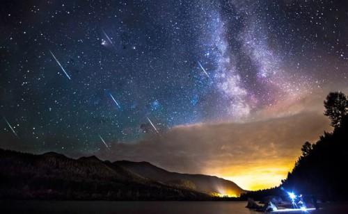 """A breve il suggestivo passaggio delle Draconidi: una """"pioggia"""" di stelle cadenti in arrivo"""