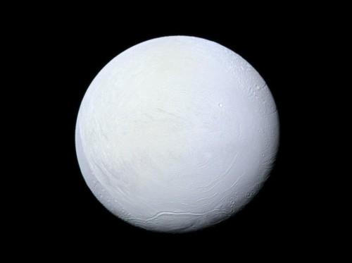 Encelado, presto una missione per l'analisi dell'oceano extraterrestre