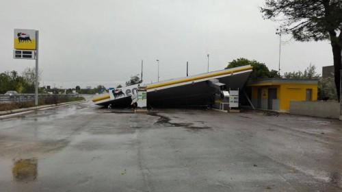 Maltempo in Puglia, downburst sul Salento, gravi danni