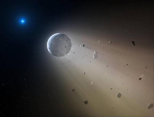 Spazio, la stella morente che distrugge un piccolo pianeta