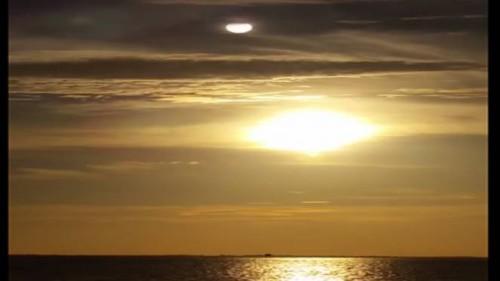 Una sfera luminosa sopra il Sole e rispunta la teoria su Nibiru