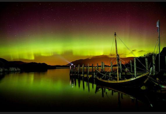 L'aurora boreale si sposta a sud, spettacolo di luci nei cieli inglesi