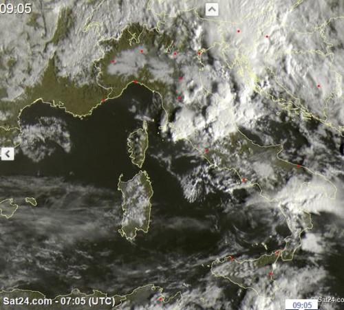 Fronte temporalesco al Centro Italia, fenomeni anche tra Calabria e Campania