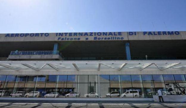 Palermo: atterraggio d'emergenza per aereo militare turco, polizia in pista