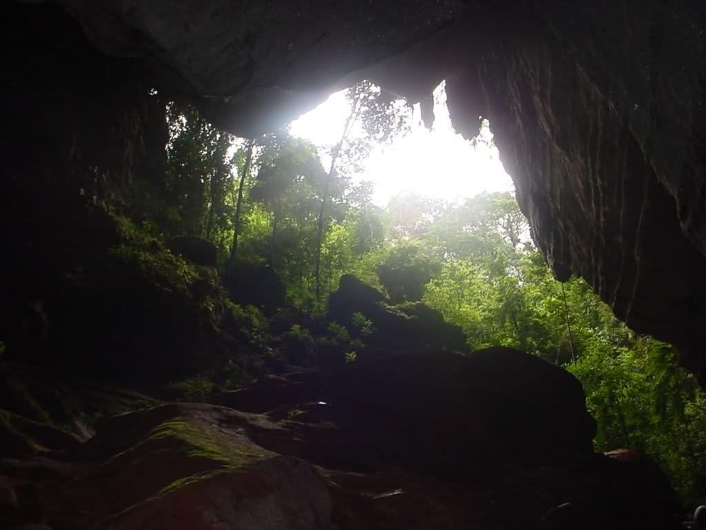 Friuli: bimba nasce in una caverna