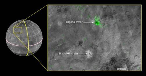 Caronte, le immagini del cratere più giovane