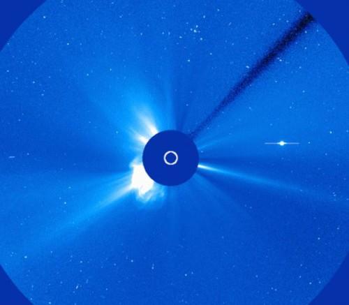 Sole: registrato un flare di classe M3 da una macchia solare