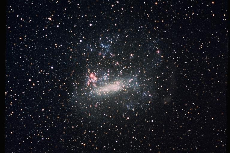 I misteriosi segnali della Grande Nube di Magellano