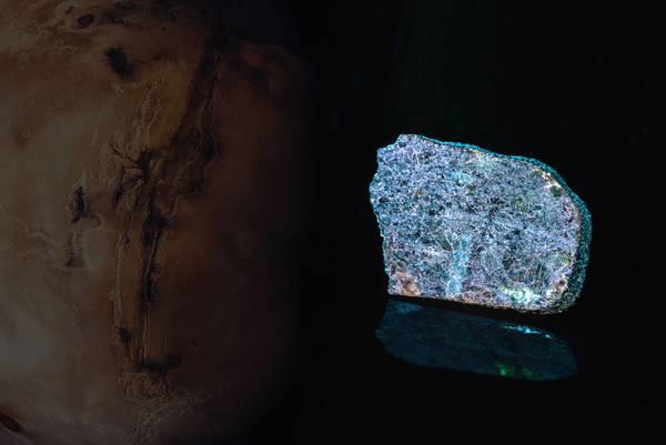 Prato consegnerà a Papa Francesco un meteorite proveniente da Marte