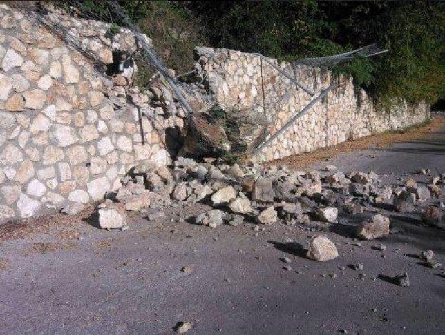 Terremoto Grecia: una vittima a Lefcada, gravi danni nell'isola