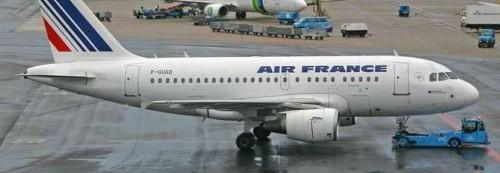 Allarme terrorismo sul volo AF1741 in partenza da Parigi verso Amsterdam