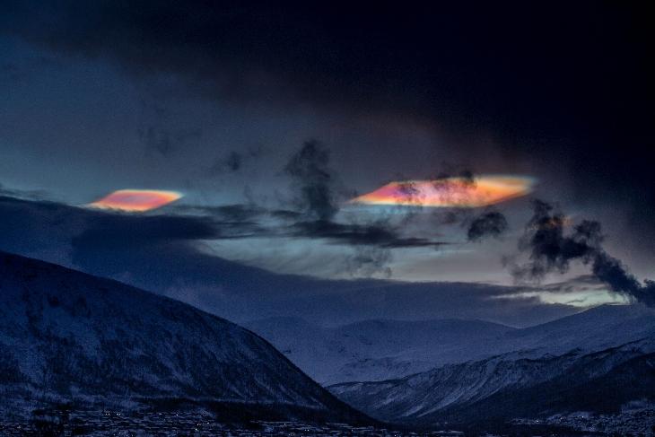 Tromso: spettacolari nubi arcobaleno, tutte le immagini