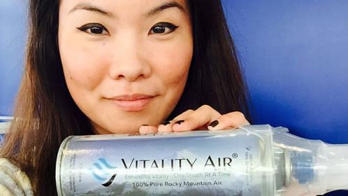 Cina: bottigliette spray di aria pulita del Canada per combattere l'inquinamento