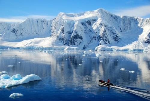 Antartide, scoperto il canyon più grande del mondo