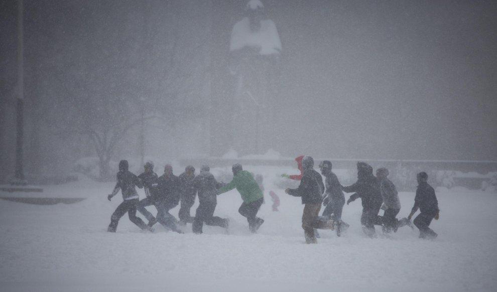 Stati Uniti nella morsa della tempesta invernale Jonas