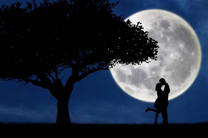 Clima, la Luna influenza anche le piogge, oltre alle maree
