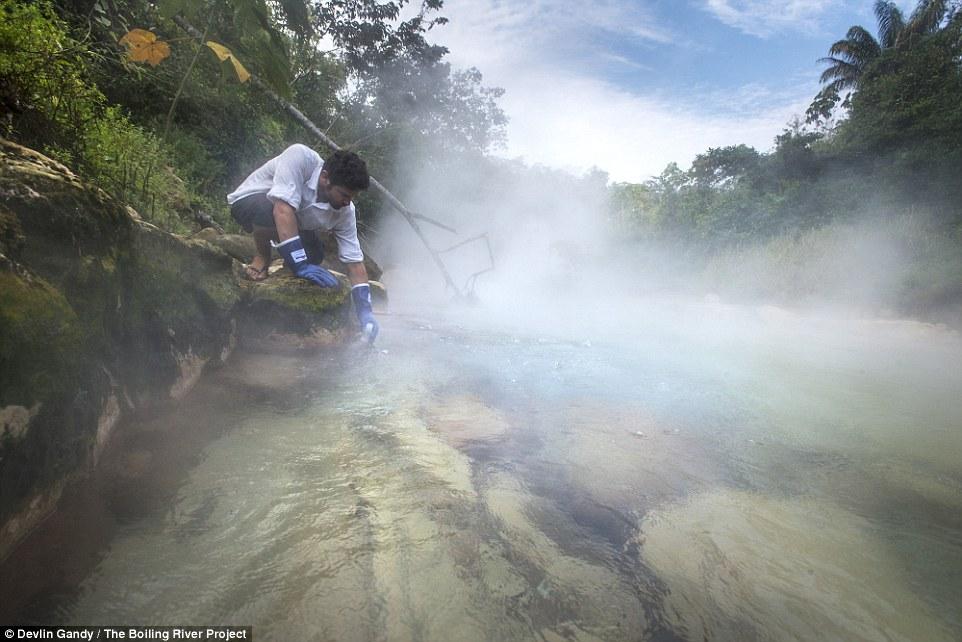 Amazzonia, incredibile: scoperto un fiume che bolle