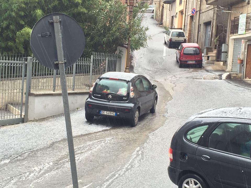 Maltempo, violenta grandinata su Roma e provincia