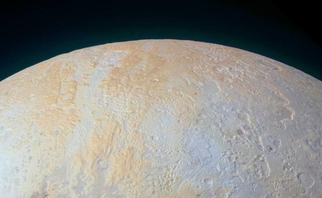 Plutone, le foto dei canyon del polo nord inviate da New Horizons