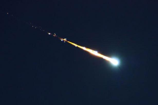 Scia luminosa avvistata al Centro Nord: era un grosso meteorite