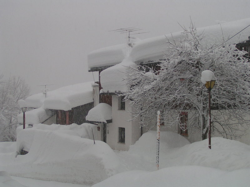 Neve abbondante in arrivo su Alpi e Appennino, la situazione