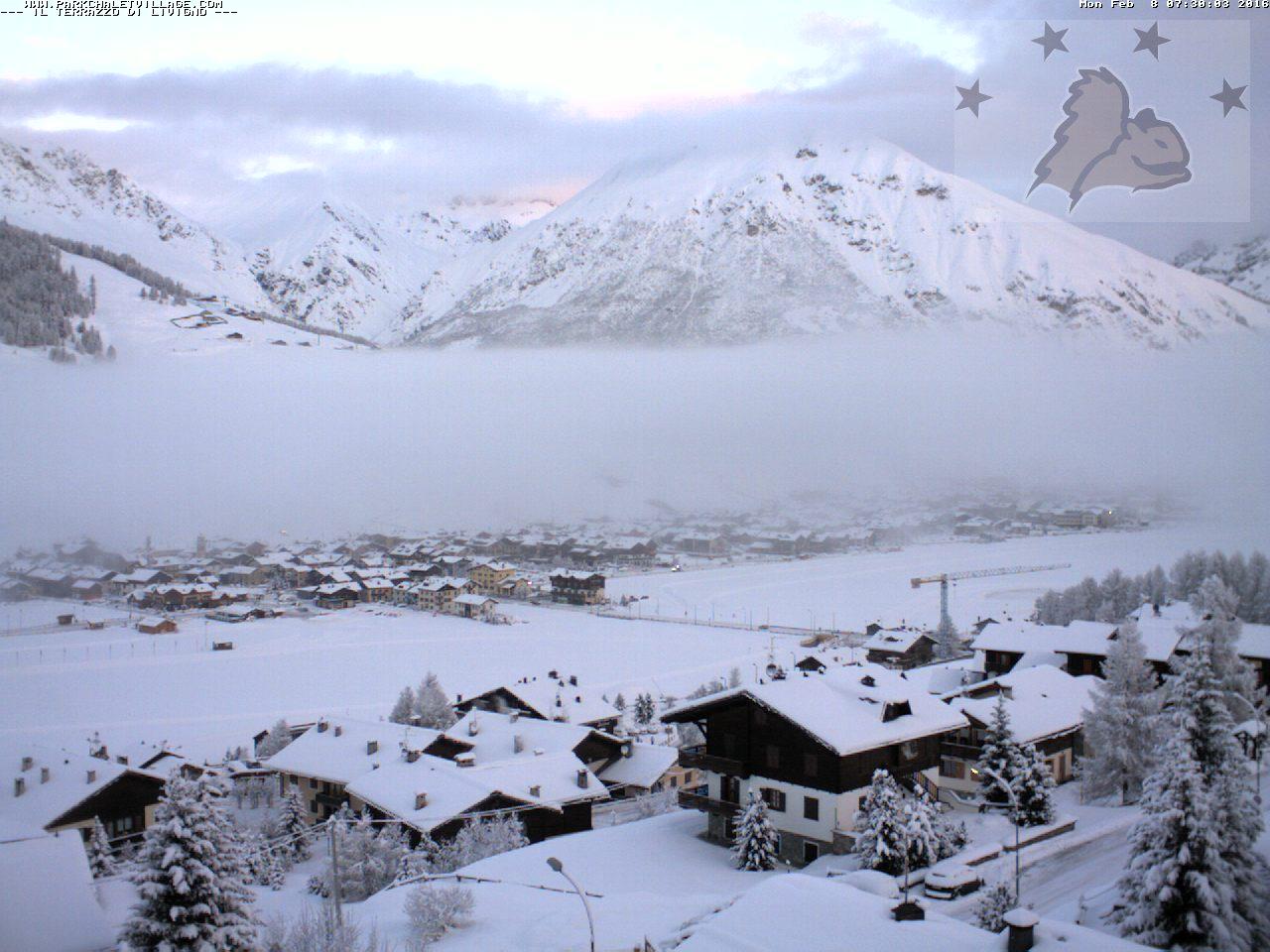 Alpi sommerse dalla neve, e ancora non è finita