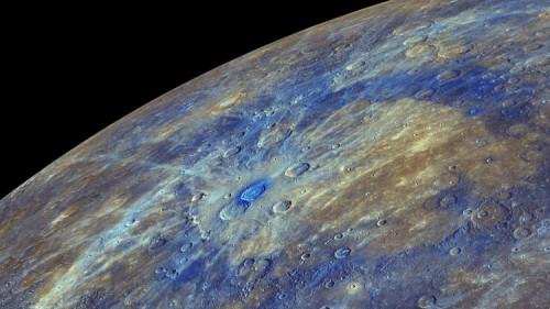 Mercurio, ecco perché la superficie del pianeta è scura