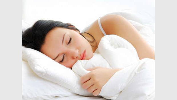 Dormire male fa invecchiare il cervello, l'allarme degli esperti