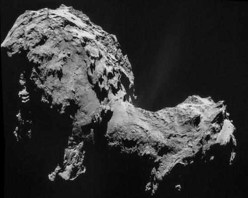 Cometa 67/P sta cambiando colore, la causa è l'esposizione del ghiaccio al Sole