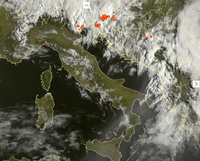 Meteo Italia: piogge e temporali al Nord Est, sabbia sahariana in Sicilia