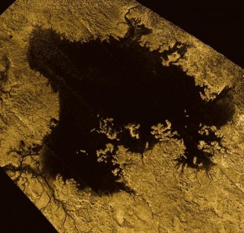 Titano, il grande lago di metano scoperto da Cassini