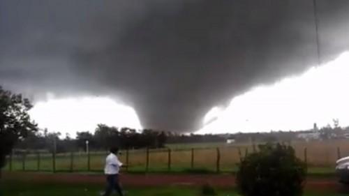 Uruguay: il video dello spaventoso tornado che ha devastato Dolores