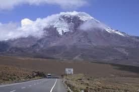 Ecuador, il vulcano Chimborazo è la montagna più alta della Terra