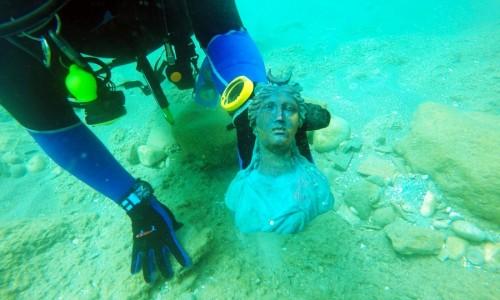 Israele: scoperta una nave sommersa ricolma di tesori