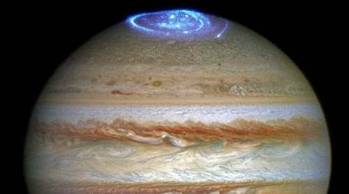 Giove: le impressionanti aurore catturate da Hubble
