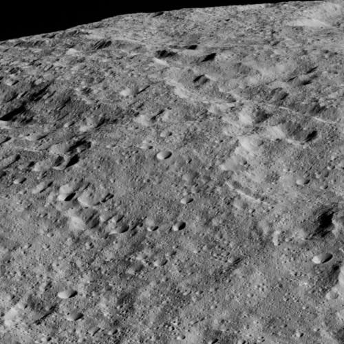 Cerere: il pianeta nano ripreso da vicino dalla sonda Dawn