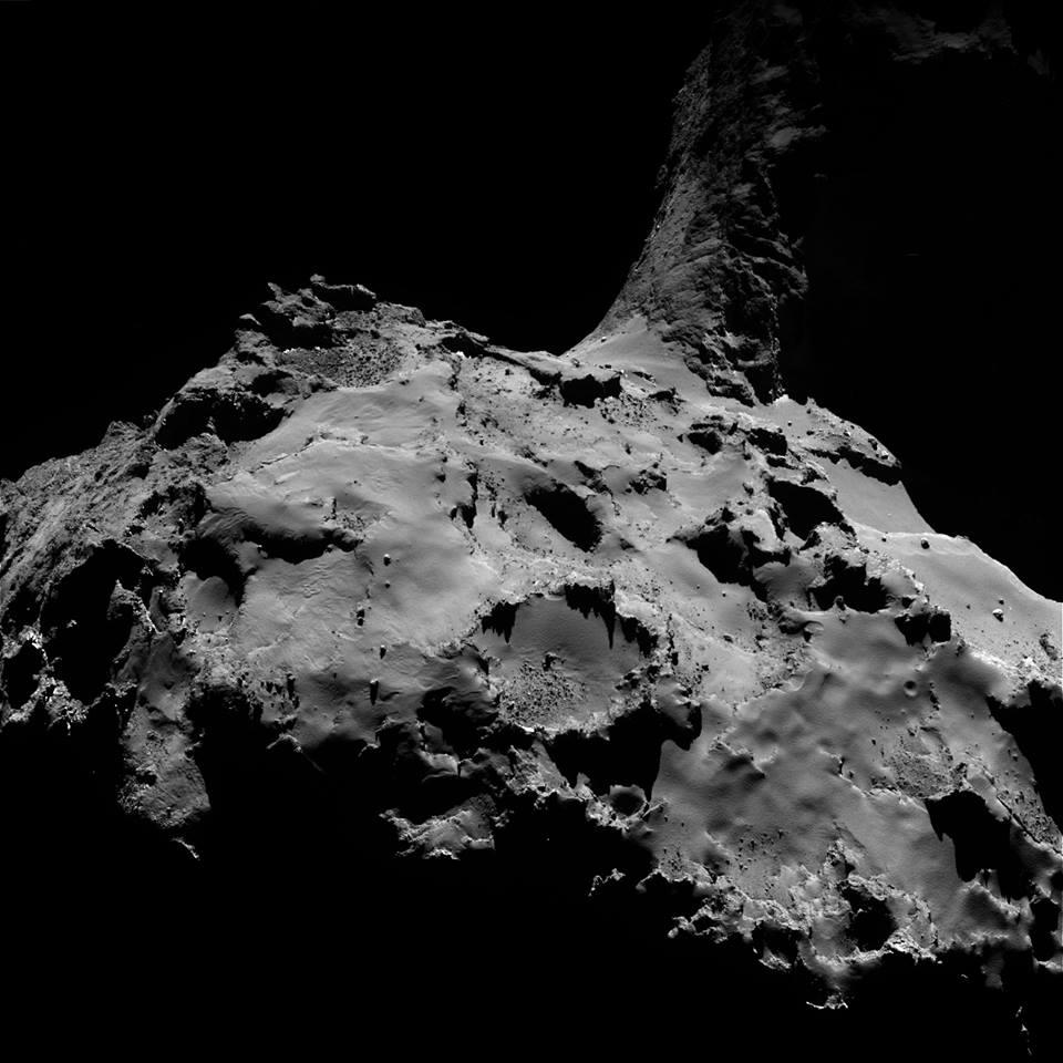 Rosetta: pubblicate nuove spettacolari immagini della cometa 67P/Churyumov-Gerasimenko