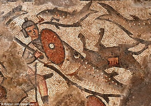 Israele, emergono rarissimi mosaici sull'Arca di Noè e il Passaggio del Mar Rosso
