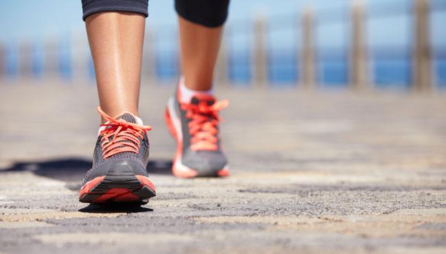 Camminare a passo svelto fa dimagrire? La risposta degli esperti