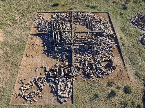 Archeologia: scoperta piramide a gradoni in Kazakistan