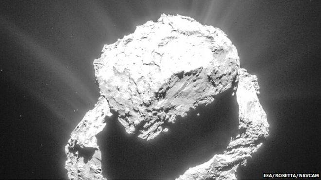 Rosetta: l'incredibile esplosione sulla cometa, la foto