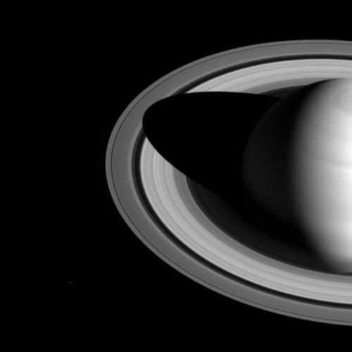 Anelli di Saturno: spiegati i 'movimenti' dell'ombra del pianeta