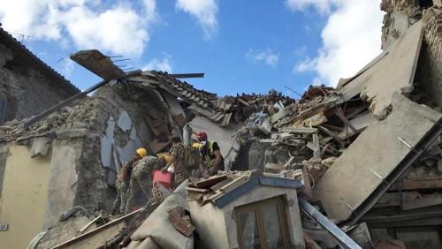 Terremoto: 'Italia come il Medio Oriente', le parole shock di Tozzi