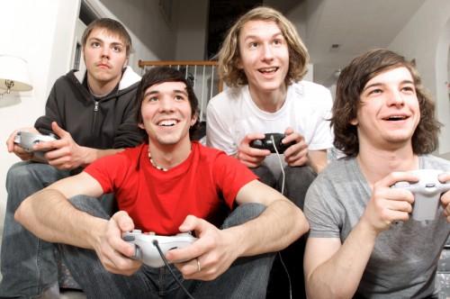 Scuola: i videogiochi migliorano i voti, i social no