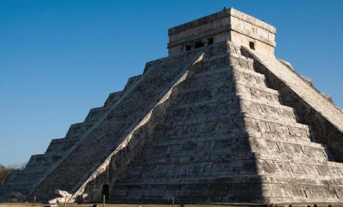 Maya: il sole dell'Equinozio crea il Dio Serpente sulla piramide
