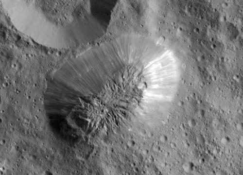 Cerere: scoperto un enorme vulcano sul pianeta nano