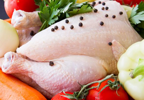 Salute, batteri resistenti agli antibiotici nel 60% della carne