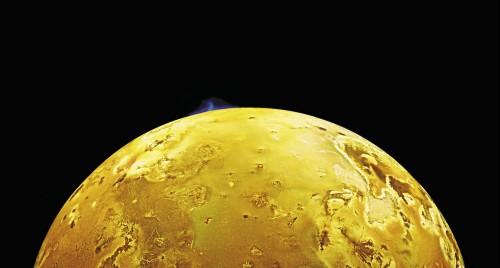 Io: la luna di Giove è tormentata da eruzioni e terremoti